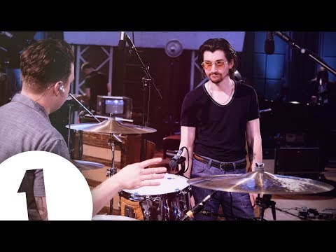 Arctic Monkeys – I Bet You Look Good On The Dancefloor live at Maida Vale