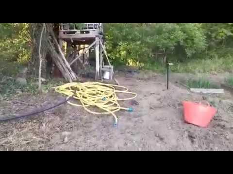 Irigatie prin picurare la coacăzi, prin cadere dublat de pompa