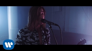 """Chase Atlantic - """"Into It"""" (Official LIVE Music Video)"""