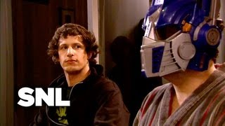 SNL Digital Short: Megan's Roommate - Saturday Night Live
