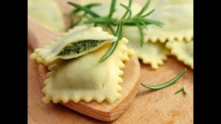 Homemade ravioli with spinach and ricotta -  italian style HD