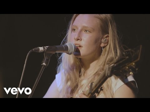Billie Marten - Roots (Live at Blue Flowers)