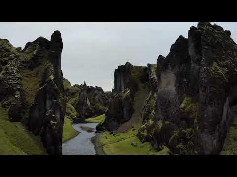 Fjaðrárgljúfur Canyon, South East Iceland   Icelandair