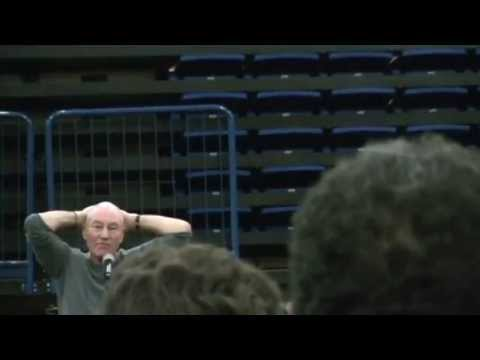 Patrick Stewart Gives Passionate Response to Question At ...