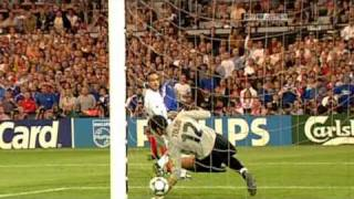 Footballs Greatest - Zinedine Zidane (Documentary)