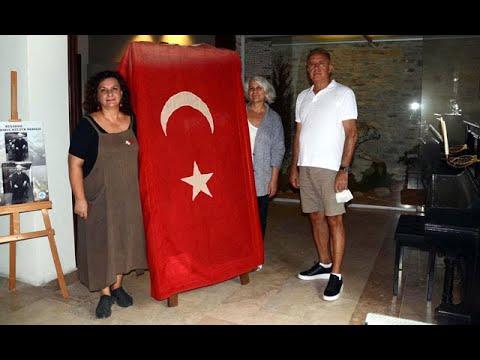100 yıllık Türk Bayrağı vatana döndü