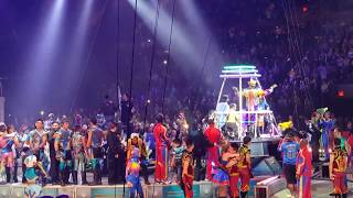 Closing moments of final performance of Ringling Brothers Barnum & Bailey Circus - 5/21/17