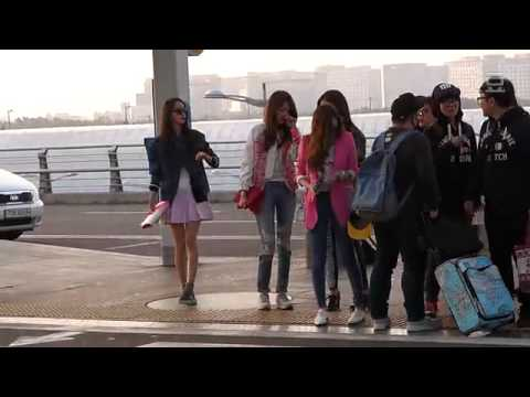 140322  SNSD at airport  go to Vietnam
