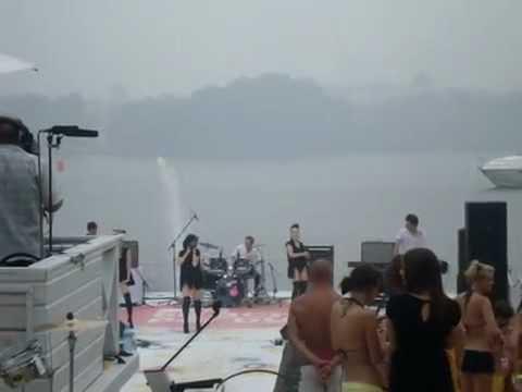 Serebro -Sexing u (MTV Beach Party)