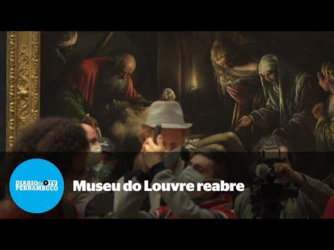 Louvre reabre com público reduzido após mais de três meses fechado