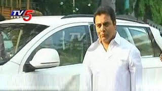 Minister KTR leaving for Mumbai to meet industrialists..