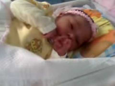 Baixar 1° video de choro de bebê Kettelyn