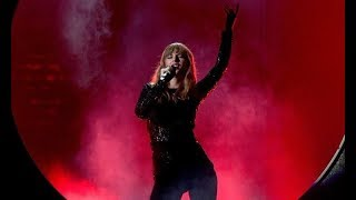 Taylor Swift - I Did Something Bad Live at the AMAs 2018 part 4