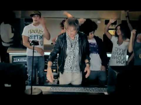 David Guetta & Chris Willis ft Fergie & LMFAO - Gettin Over You (Official Music VIdeo)