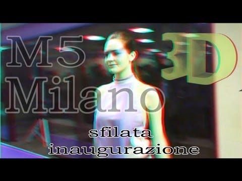 Milano sfilata di moda 3D (metropolitana 5)
