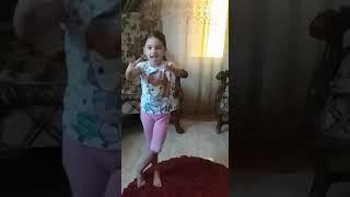 Eleen Elsayed/ Kidz Bop Kids song