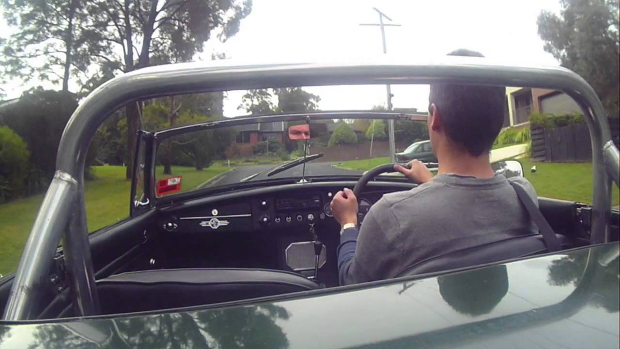 Driving my MGB to Mount Buninyong