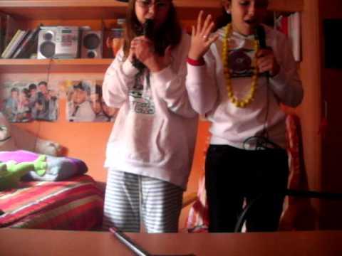 Lore & Nanitta cantando sevillanas :$