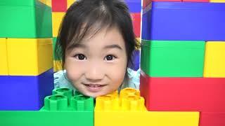보람이와 코난 거대 블록 장난감 숨바꼭질 놀이 하기! Color Brick Block & House Hide and seek