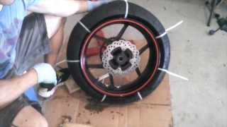 Motorcycle Tire Removal from Rim - Zip Tie Method- 2007 ZX6R - HOW TO / TUTORIAL