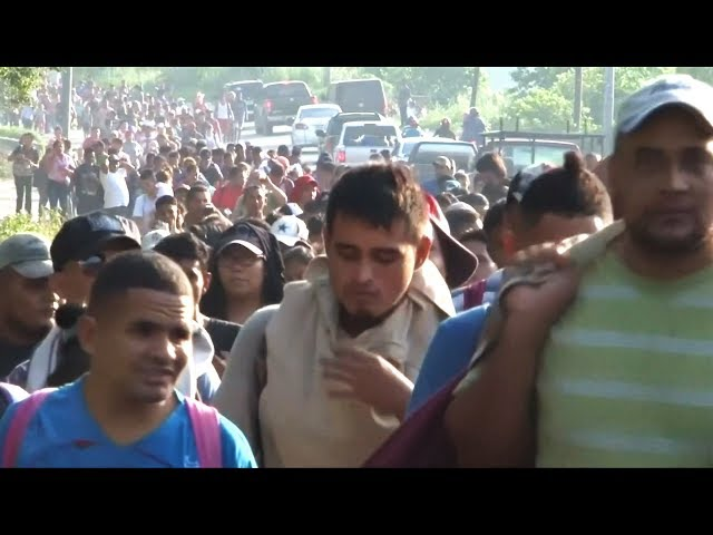 宏都拉斯上千人攜子徒步前進美國