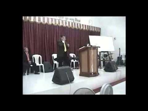 los tres años y medio. Pastor German artunduaga