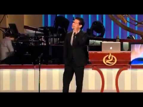 Jesus Adrian Romero - Viviendo en el exilio (Predica)