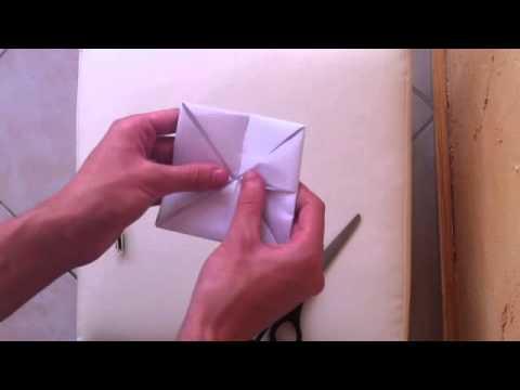 faire une cocotte en papier pliage cocotte faire un. Black Bedroom Furniture Sets. Home Design Ideas