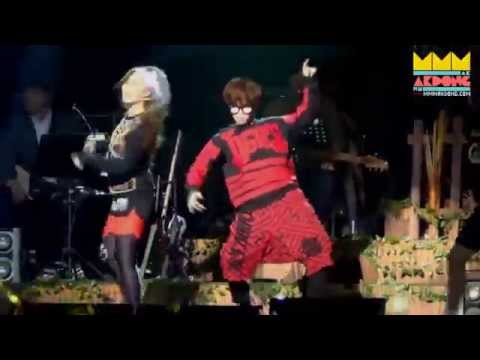 [FANCAM] AKMU dancing 2NE1's I Am The Best at their concert