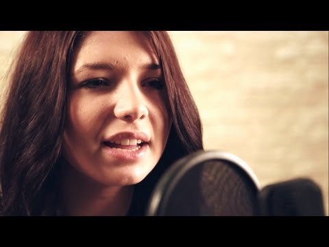 Baixar Pink - Just Give Me A Reason (Nicole Cross Official Cover Video)