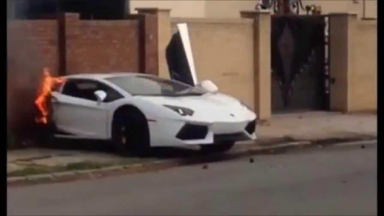 Une Lamborghini Aventador coupée en deux