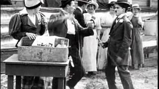 CARLITOS E AS SALSICHAS - Charles Chaplin