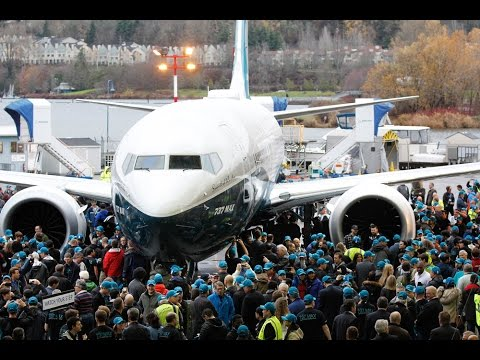 Boeing 737 MAX Roll Out