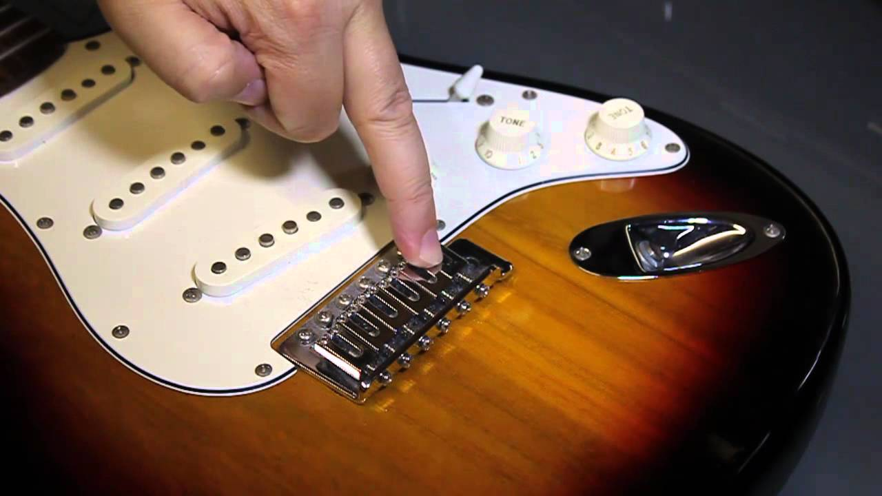 restring an electric guitar replace a broken string fender strat style youtube. Black Bedroom Furniture Sets. Home Design Ideas