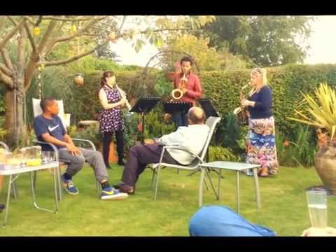 Saxophone trio in the garden - Ballade
