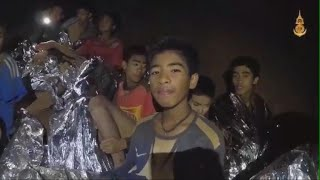 First boys rescued from Thai cave