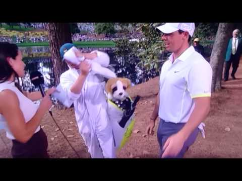 Niall Horan falls over at the Masters