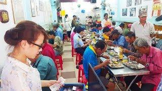 Bất ngờ quán cơm chỉ 2k đầy tình người giữa trung tâm Sài Gòn hoa lệ | Saigon food