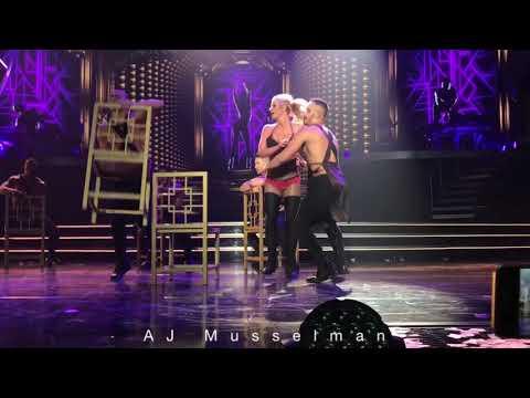 Do Somethin' - Britney Spears - Piece Of Me - 10/11/17