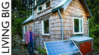 Amazing Builder's Bicycle-Powered Tiny House