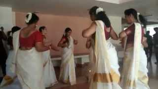 Big Boss Thiruvathira Kali Pearly Maaney Hot Saree Navel