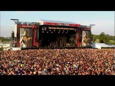Tinie Tempah - Written in the Stars/Pass Out (Live V Festival 2012)