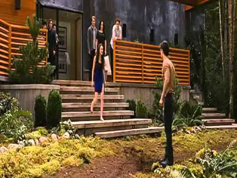 Amanecer 2 Bella se entera de que jacob se imprima con renessme Fandub latino- Lex Lycan
