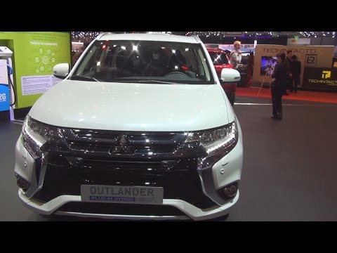 Mitsubishi Outlander PHEV Style 4x4 AT (2016) Exterior and Interior in 3D