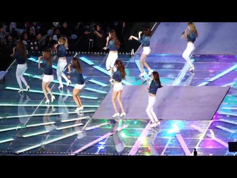 140815 SM TOWN Girls' Generation - Gee + Can't take my eyes off you