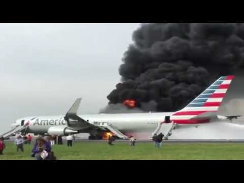 Live video of American Airlines Boeing 767 on Fire at Chicago Airport Oct 2016