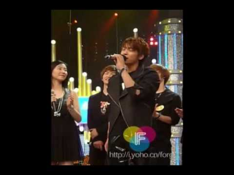 Fancam SHINee Jonghyun singing Chinese song 100418