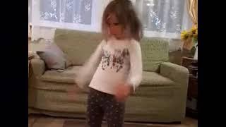 Танцует на даче Katy Perry