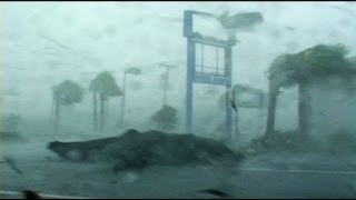 Hurricane Charley Punta Gorda Florida - Full on!
