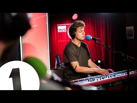 Charlie Puth covers The 1975's Somebody Else in the Live Lounge